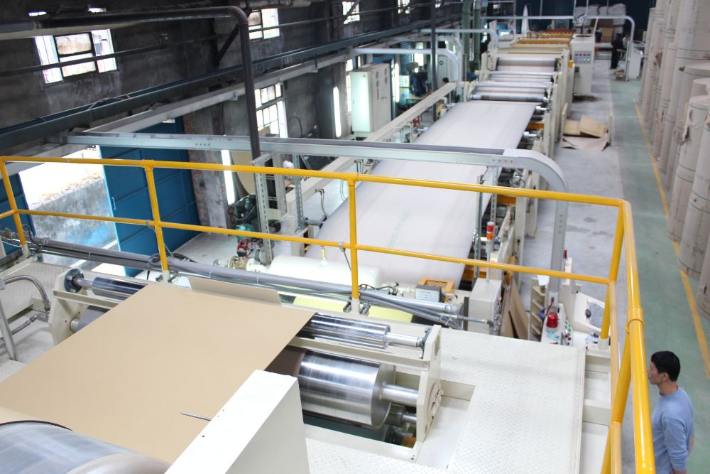 New 2200 Corrugator, speed 250 mpm