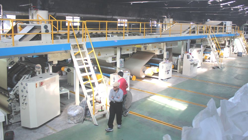 1800 New Corrugator, speed 250 mpm