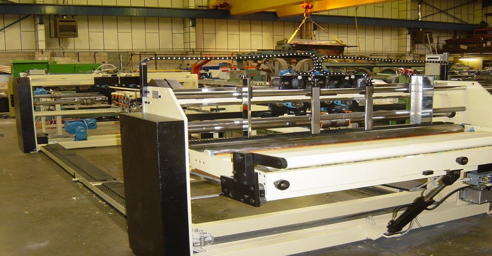 MTC FULLY AUTOMATIC GLUER. REFERENCE: 9014