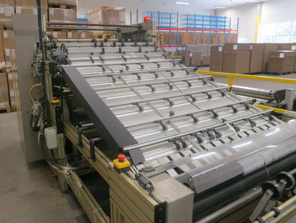 Lamina sheet-to-sheet laminating automatic