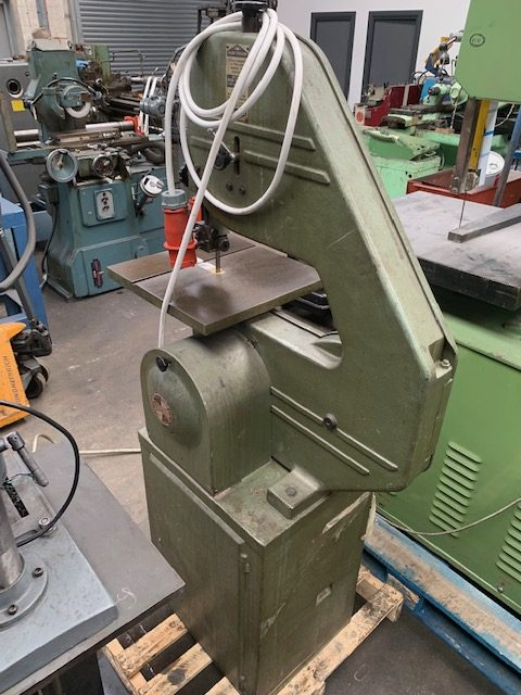 STARTRITE VERTICAL BAND SAW